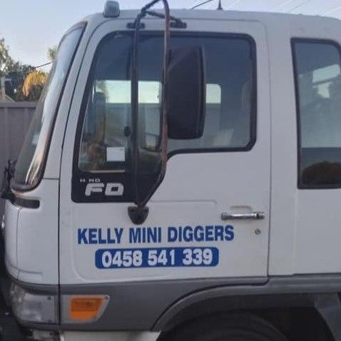 Kelly Mini Diggers